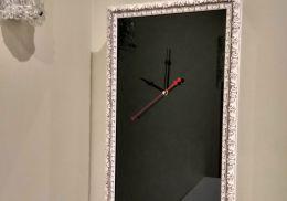 Декоротивная накладка в виде часов в багете