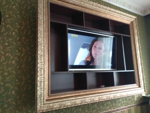 Стелаж с телевизором